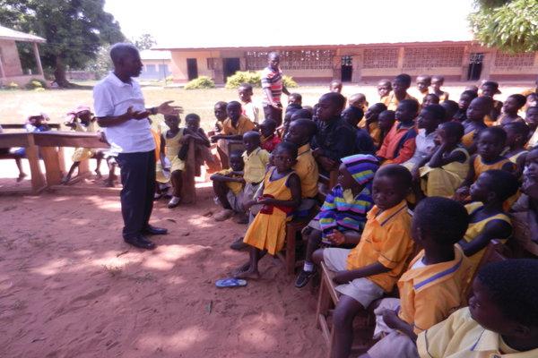 GBAF president Kwabena Amponsah speaks to school children at Asueyi